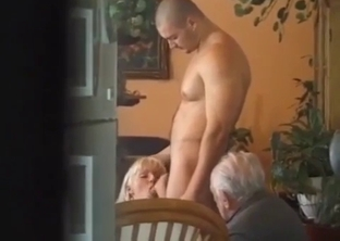 Bleached sister gives her brother a good head