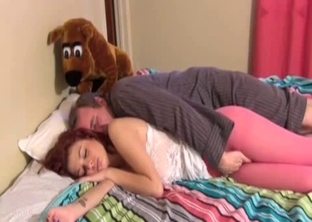 Teen redhead daughter gives her dad a nice head